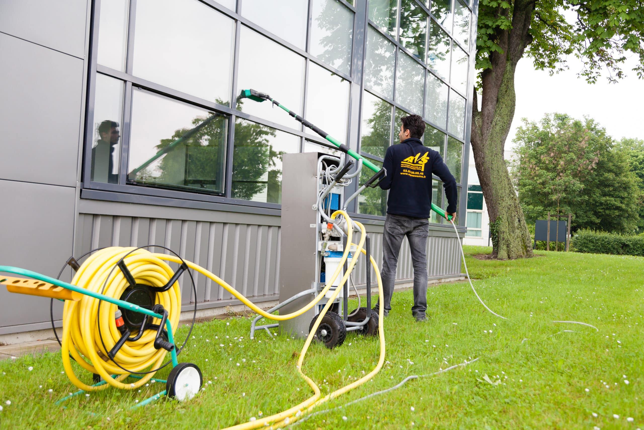 Découvrez le système de nettoyage à l'eau osmosée
